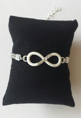 Armband Infinity strass zilver-wit